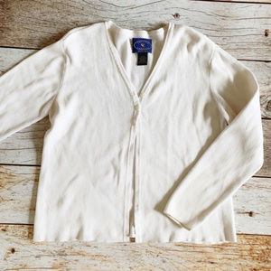 ✨Chelsea Cambell Classic White Cardigan